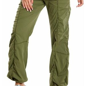 Lucy Get Going Pant Olive Color